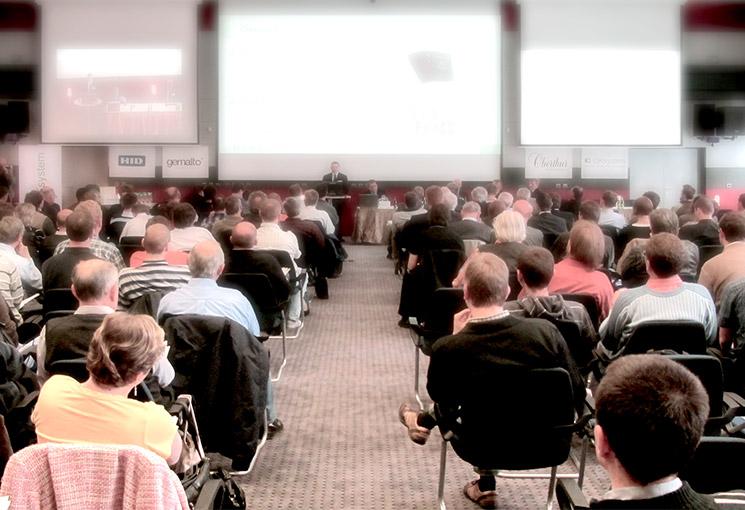 Rezervujte si své místo na konferenci Smart Cards & Devices Forum